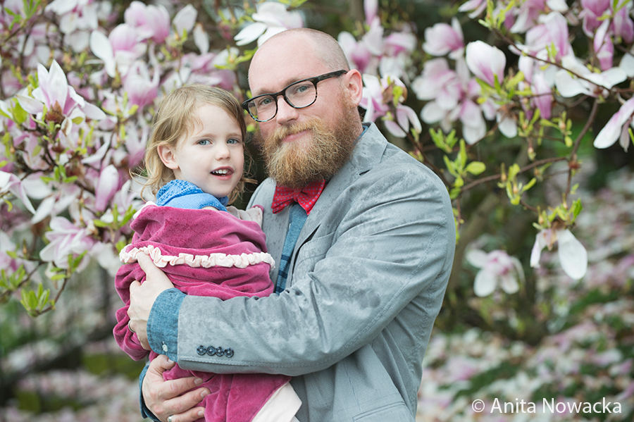 seattle-family-portraits_cherry_blossoms-2